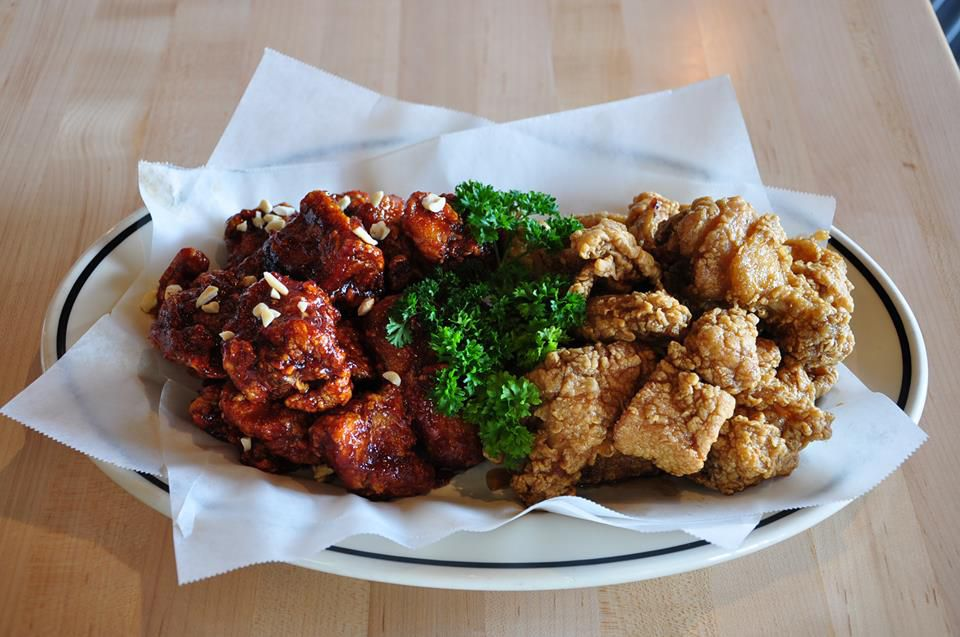 Different fried chicken options at Hi Wings, including Korean fried chicken
