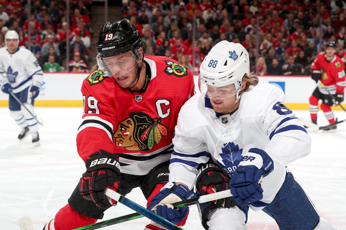 Recap: Chicago won it in the first, and then held on against Leafs relentless pressure