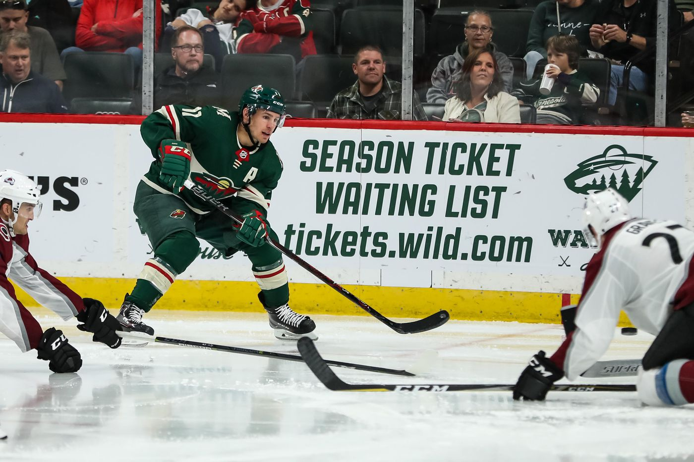 Real Hockey The Wild Open Their Season Against The Avalanche