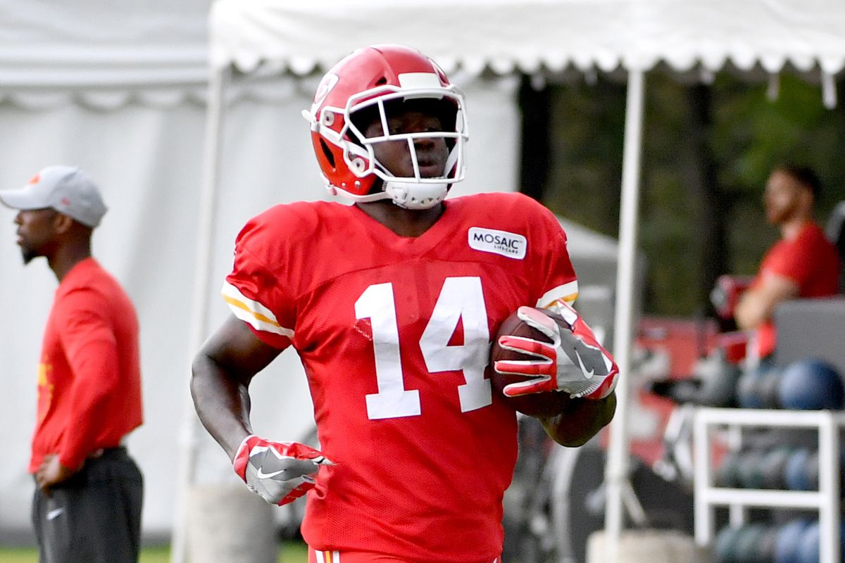 outlet store 0d38f 453a5 Kansas City Chiefs Training Camp 2018: Monday injury report ...