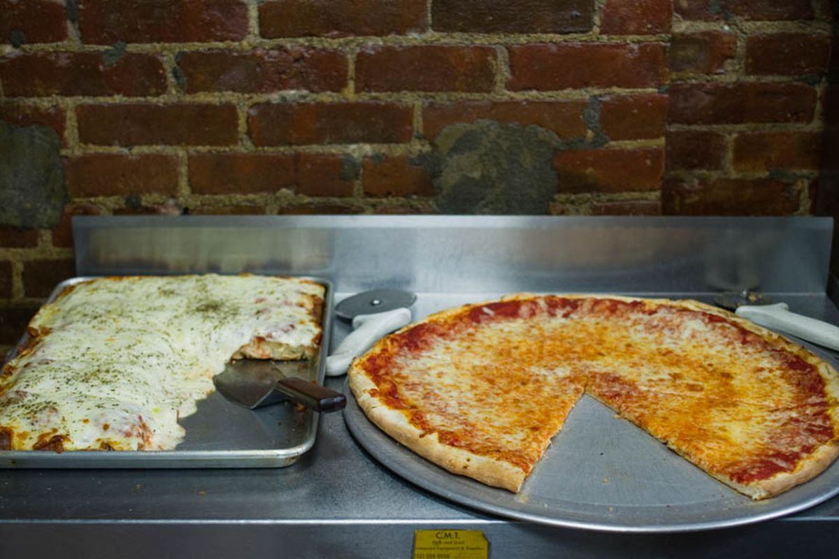 A Complete Guide To New York City Pizza Styles Eater Ny