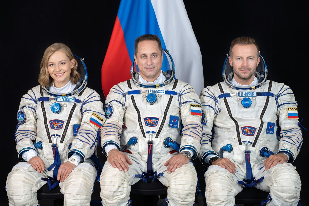 Russia launches film crew to space