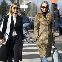 Pernille Teisbaek (left) en route to Céline.