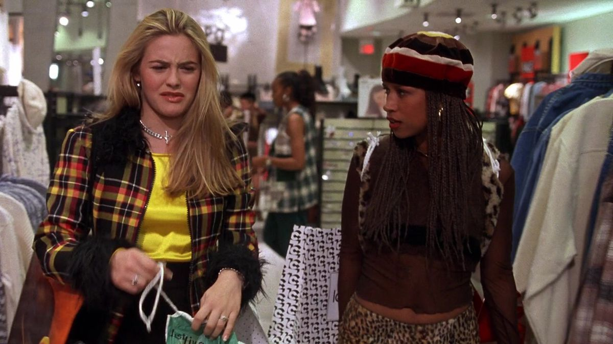 Cher (Alicia Silverstone) and Dionne (Stacey Dash) shopping