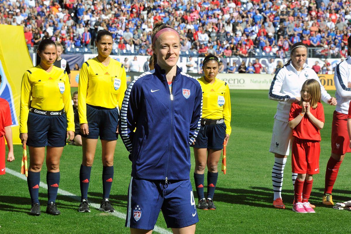 "69dbaa4c1 Becky Sauerbrunn calls Muslim ban ""un-American"" - Stars and Stripes FC"