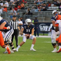 The Illinois Fighting Illini take on the UConn Huskies in a college football game at Pratt & Whitney Stadium at Rentschler Field in East Hartford, CT on September 7, 2019.