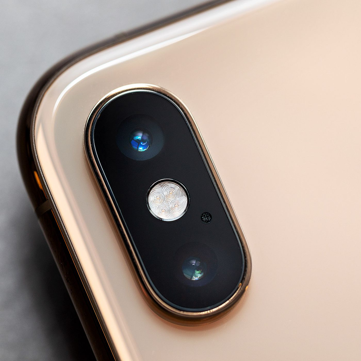 theverge.com - Vlad Savov - The iPhone XS camera beats the iPhone X, but not the Pixel 2