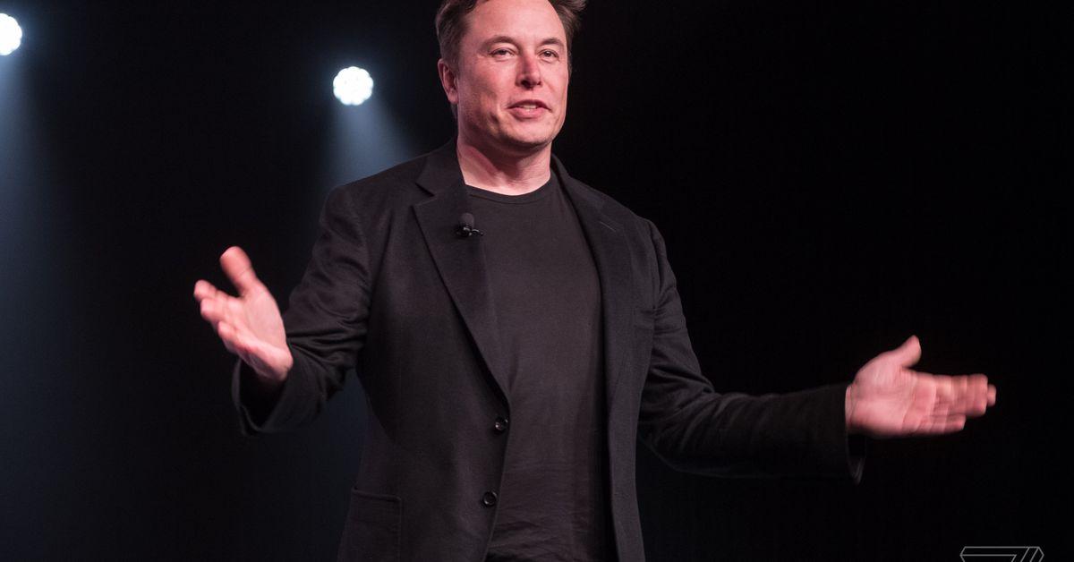 Hãy đọc câu chuyện Daily Beast này về một trường học trực tuyến mới Elon Musk đã giúp bắt đầu