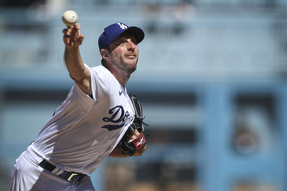 Max Scherzer #31 of the Los Angeles Dodgers pitches in the fifth inning against the San Diego Padres at Dodger Stadium on September 12, 2021 in Los Angeles, California.