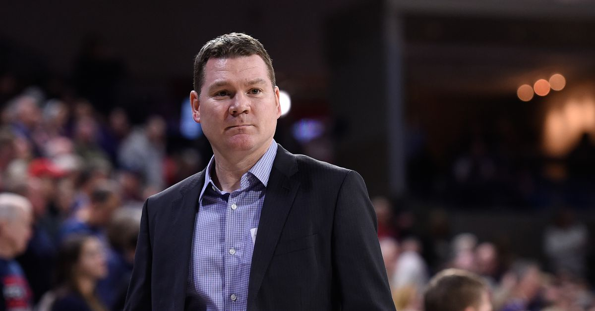Tommy Lloyd embracing challenge of Arizona head coaching job despite 'potential obstacles ahead'