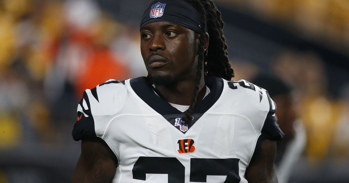 Dre Kirkpatrick to miss about a month with knee injury, per report