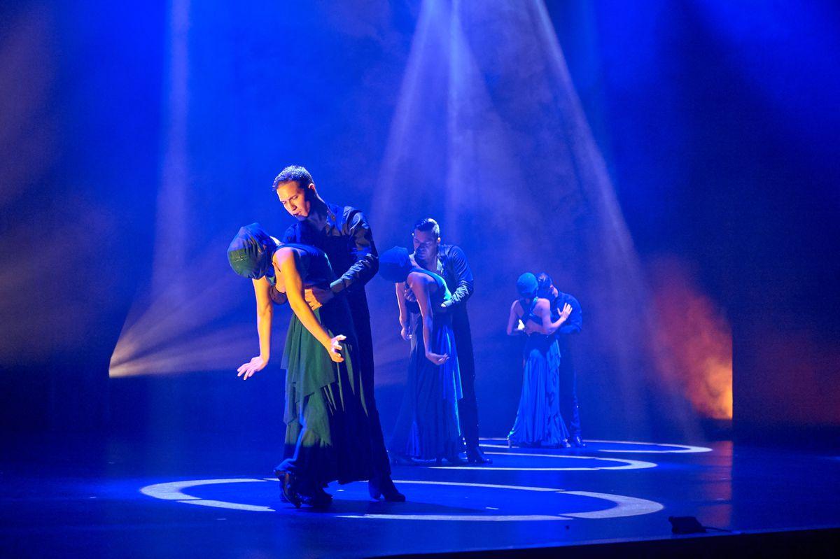 "Ensemble Espanol Company Dancers in ""Pasion Oculta (Hidden Passion)"" choreographed by Irma Suarez Ruiz. Photo by Dean Paul"