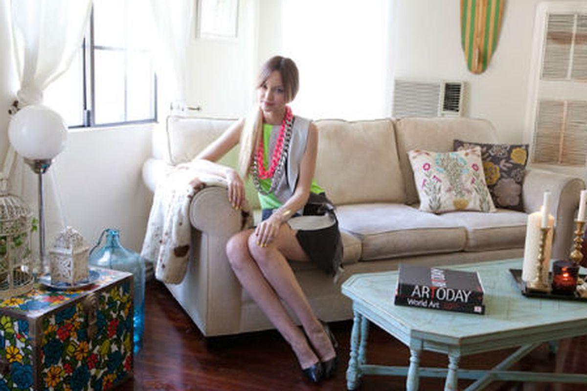 "Photo via <a href=""http://www.teenvogue.com/style/tips/room/2012/04/liz-cherkasova-apartment#intro"">Teen Vogue</a>"