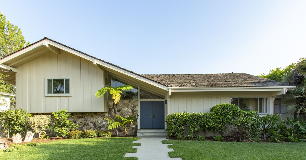 HGTV's restoration of Brady Bunch house unveiled—and they didn't mess it up