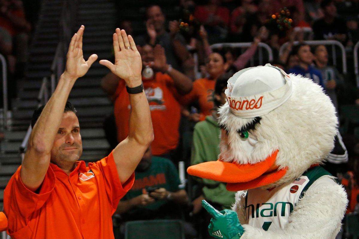 From ESPN intern to stuffing envelopes at FSU - Manny Diaz's journey from UM fan to coach
