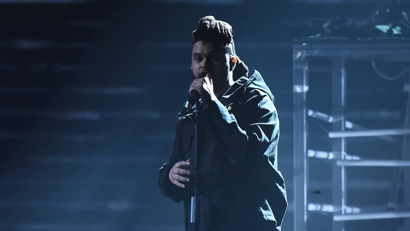 The Weeknd's new album Starboy is out November 25th - The ...