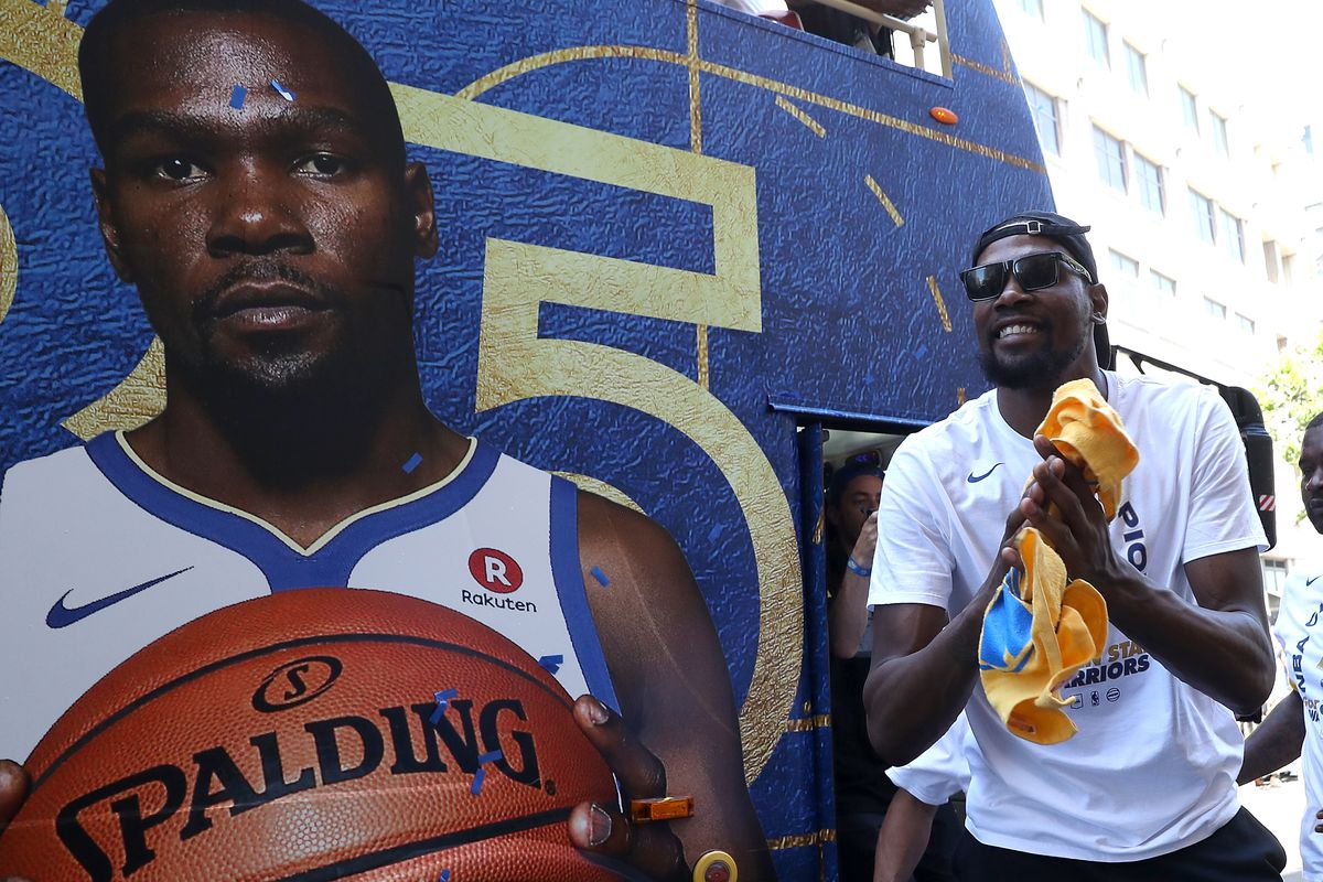 7023f1f54eb Kevin Durant will re-sign with the Warriors on a 2-year deal that give both  him and Golden State flexibility