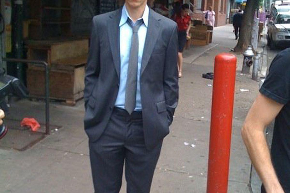 "Steve Nash caught on the streets of New York via <a href=""http://www.hardwoodparoxysm.com/wp-content/uploads/2009/06/nash.jpg"">www.hardwoodparoxysm.com</a>"