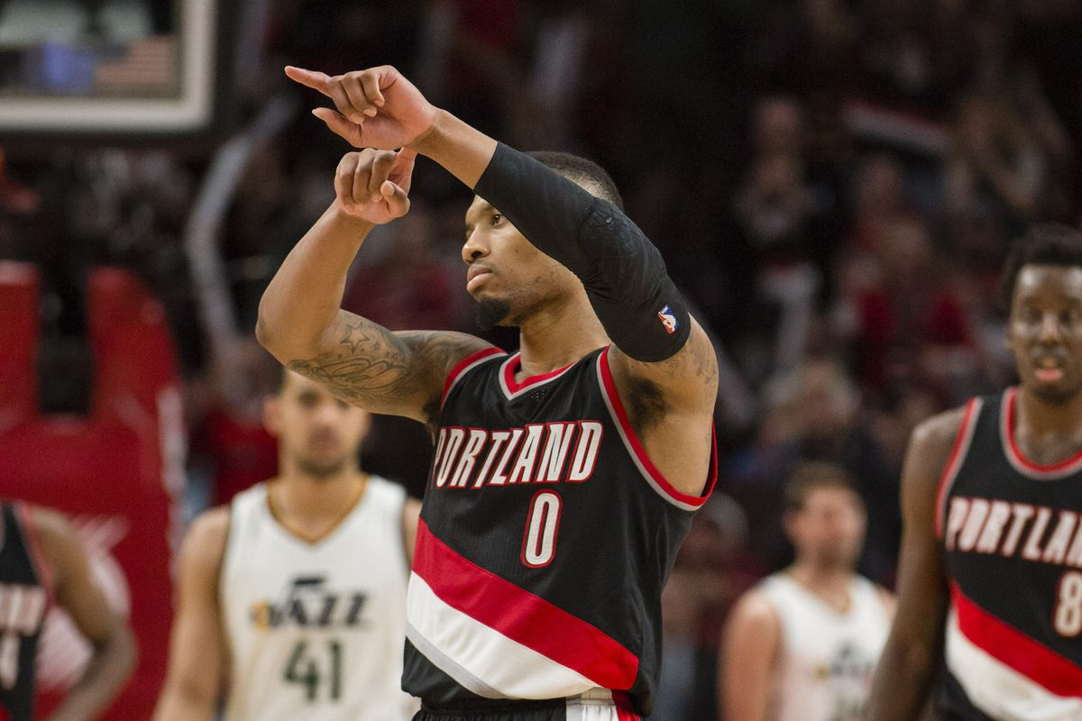 Damian Lillard Shot Rings In New Year 2020 Blazer S Edge