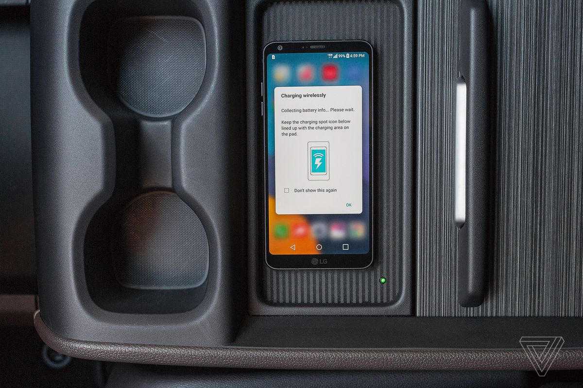 Wireless Charging Pads Are All Over Ces 2018 Thanks To The New Mobile Battery Charger Circuit Engineers Gallery Photo By Amelia Holowaty Krales Verge