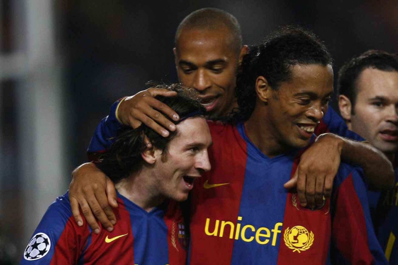 Ronaldinho: ?Messi has everything, he didn?t need anything from me?