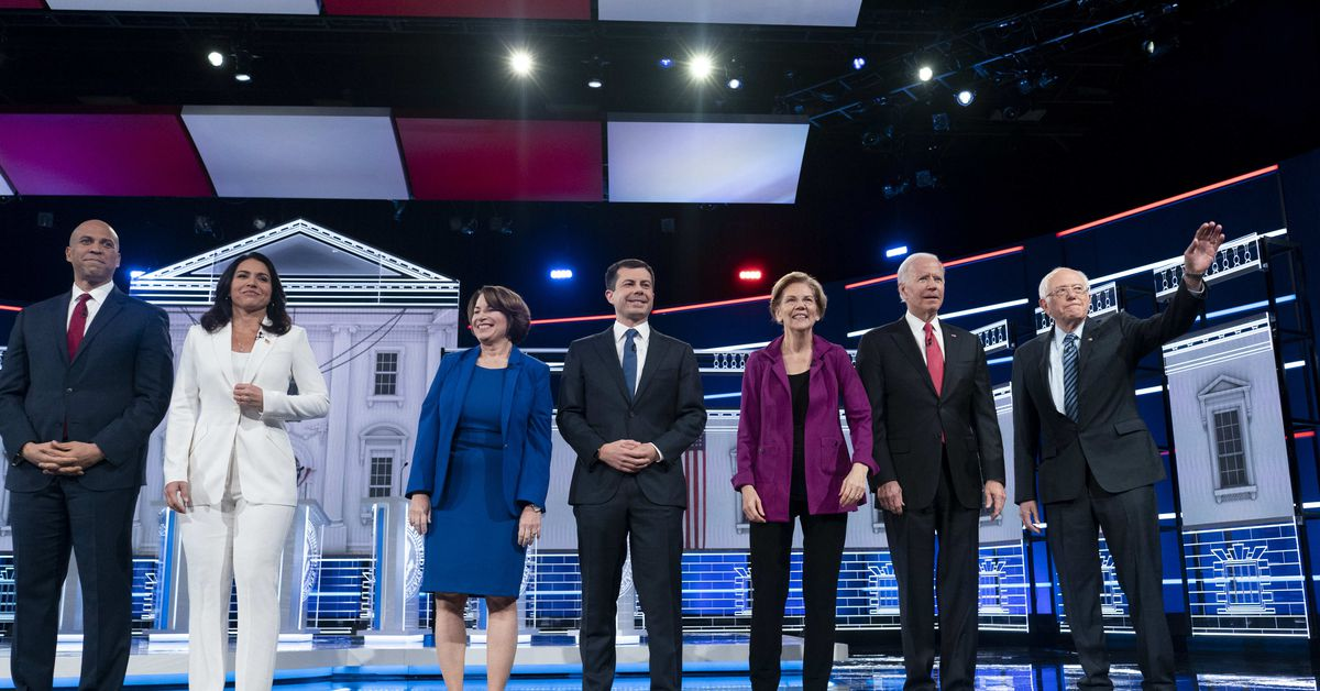 Top Democratic 2020 candidates ask the DNC to ease debate qualification rules - Vox.com