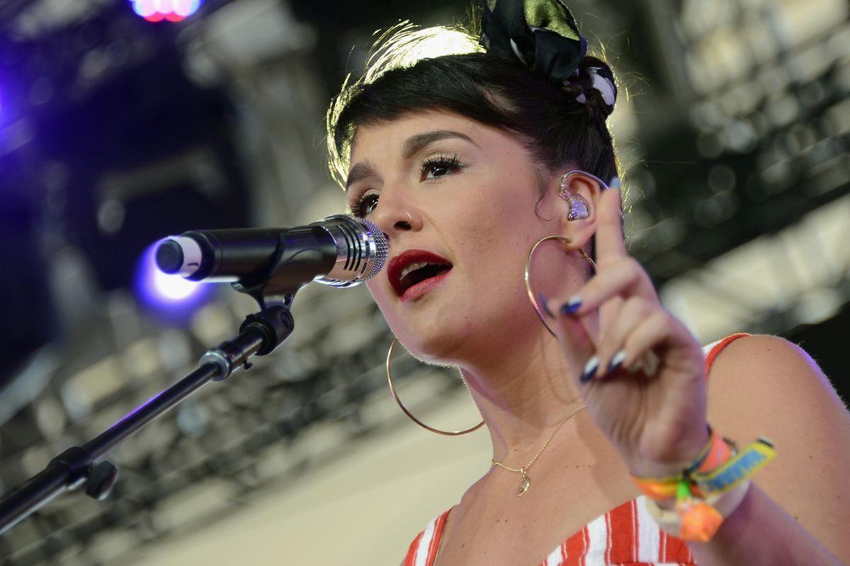 Jessie Ware performs at Coachella