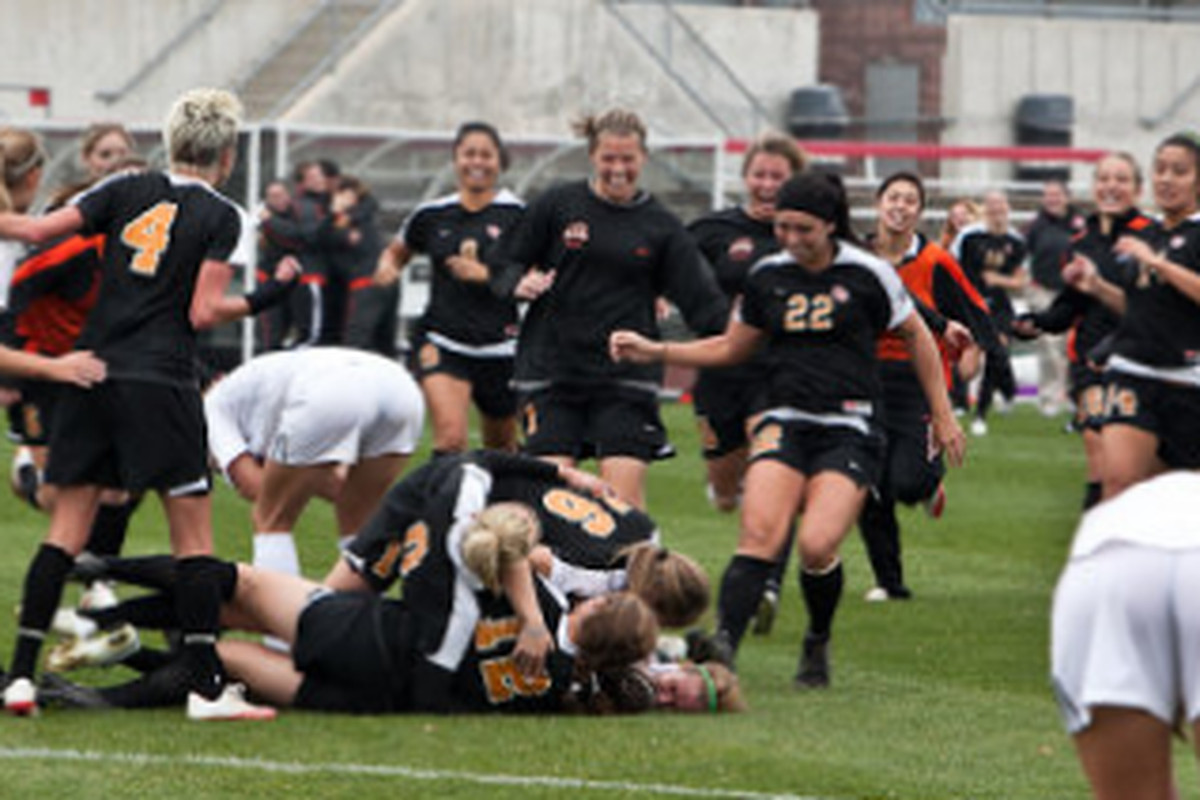 Melinda Ingalls' goal in the 99th minute of Sunday's game with Florida clinched a trip to the Sweet 16 for the first time ever in the history of OSU Women's Soccer. (Photo by Rich Buchanan/ OSUBeavers.com)
