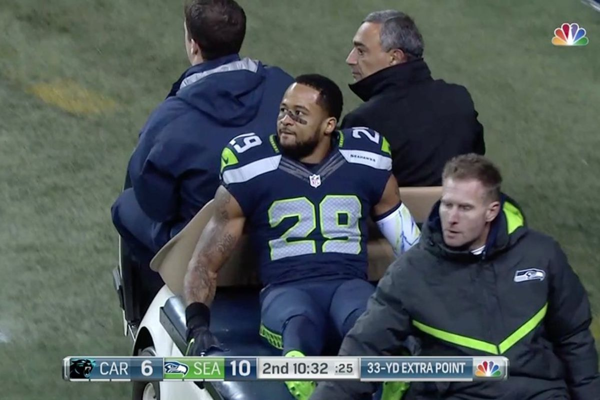 Earl Thomas breaks leg against Panthers and says retirement is