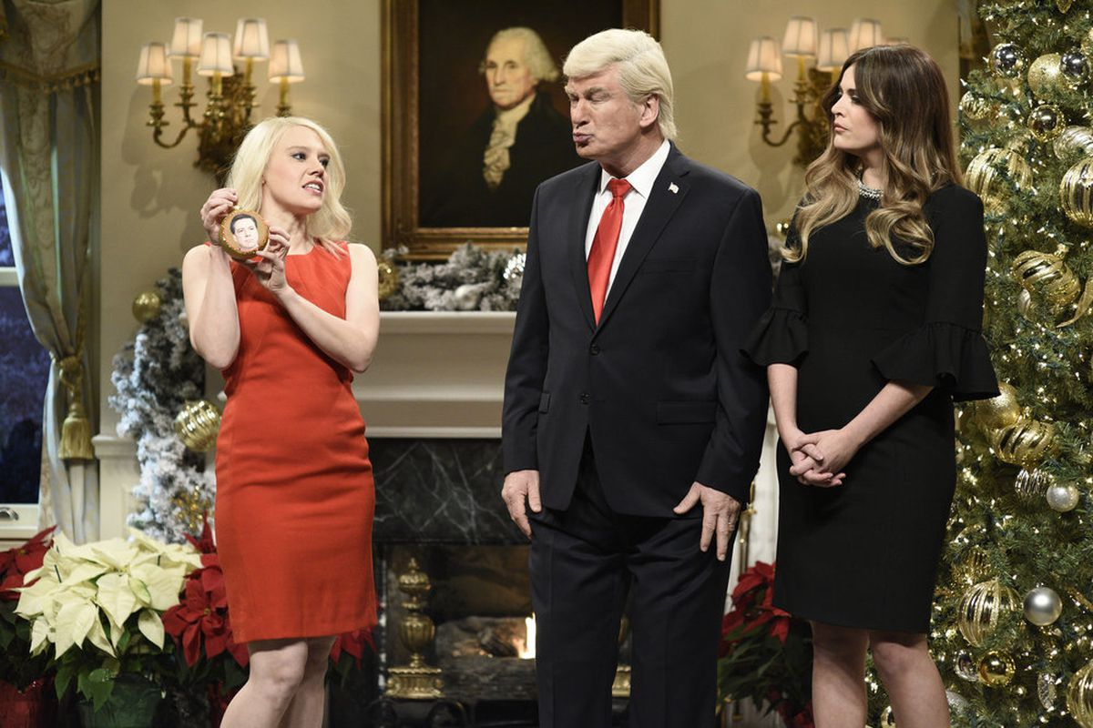 saturday night lives portrayal of donald trump is a mess - Saturday Night Live Christmas Song