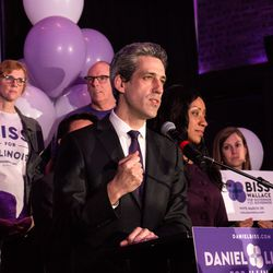 Daniel Biss speaks at Old Country Smokehouse, Tuesday. | Erin Brown/Sun-Times