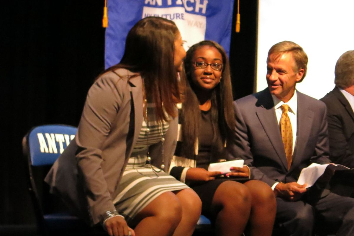 Gov. Bill Haslam greets Nashville-area community college students to launch Tennessee Promise in 2014.