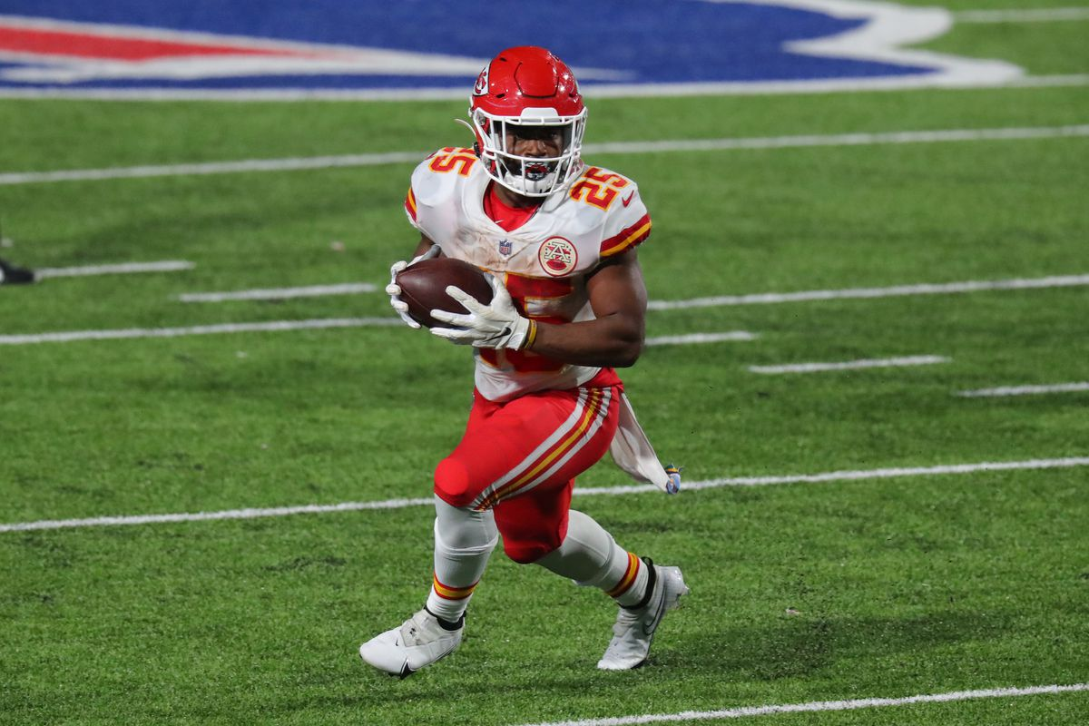 How the Chiefs get Clyde Edwards-Helaire more involved as a receiver -  Arrowhead Pride