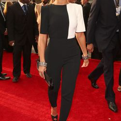 Bey pulled out a total surprise with a super-chic black-and-white Osman by Osman Yousefzada pantsuit.
