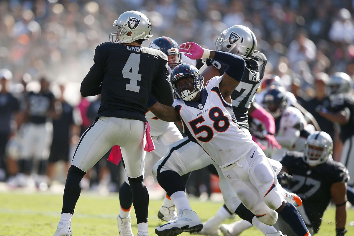 Raiders Derek Carr 32nd in NFL in passer rating under pressure