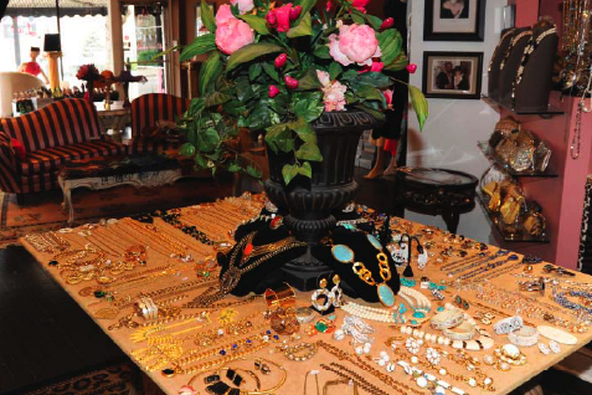 Photo via Lulu's at the Belle Kay