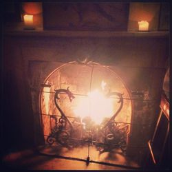 Staying cozy by the fire at the <b>Waverly Inn</b>. I'm grateful for a beautiful night of fabulous company, fantastic food (truffle mac & cheese), and wine (Rioja).
