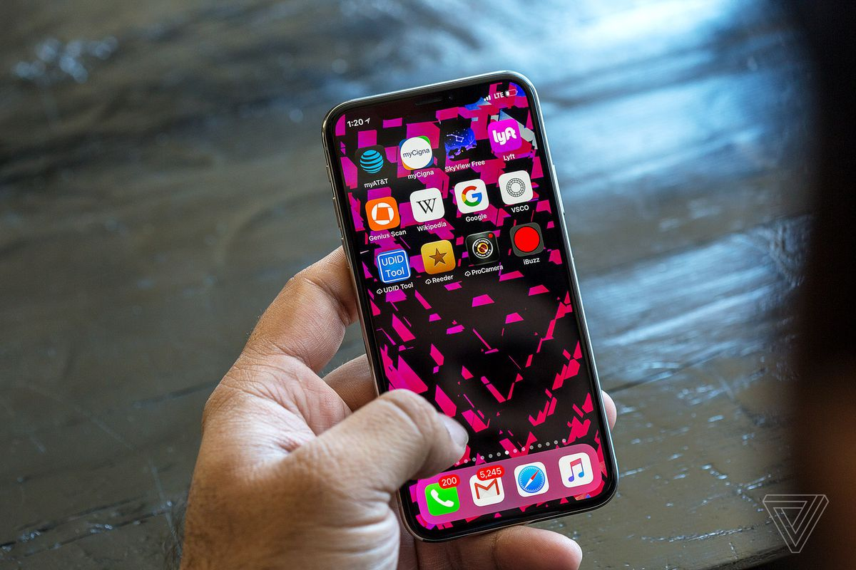 Some iPhone X buyers are having problems activating their