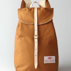 "<b>BAG'n'NOUN</b> Canvas Knapsack <a href=""http://www.stevenalan.com/CANVAS-KNAPSACK-%239/VEN_ALL_NA_VA-90980699,default,pd.html?dwvar_VEN__ALL__NA__VA-90980699_color=GOLD#cgid=bags-leather-goods&view=all&frmt=ajax&start=0&hitcount=77"">$162</a> at Steven"