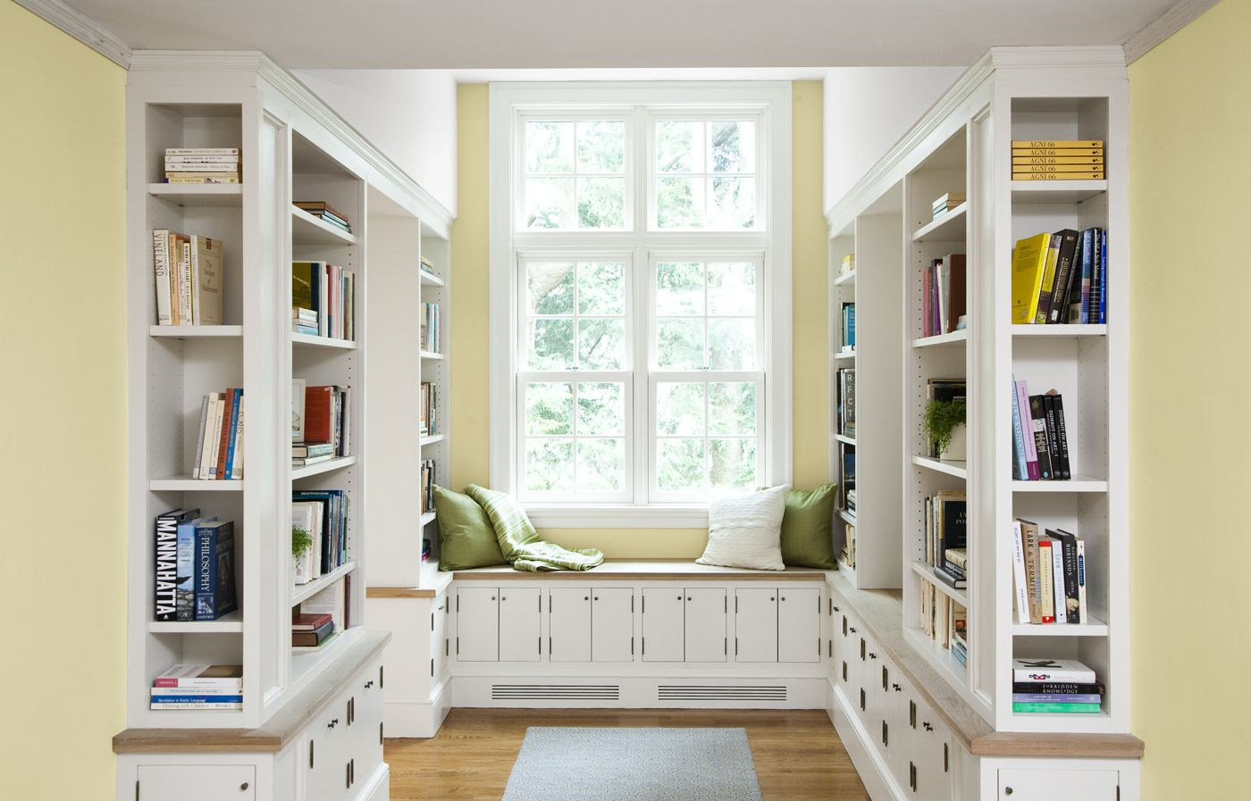 7 Surprising Built In Bookcase Designs