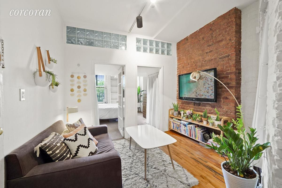 This cozy nolita one bedroom comes with a surprising amount of storage space