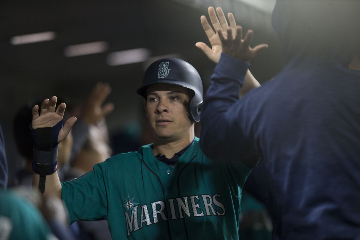Zunino's walk-off homer lifts M's past Twins
