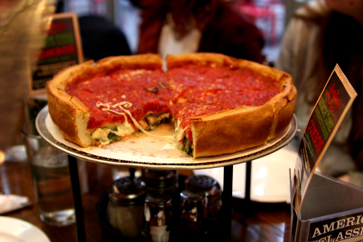 Chicago Style Deep Dish Pizza Slinger Giordanos Is Coming To