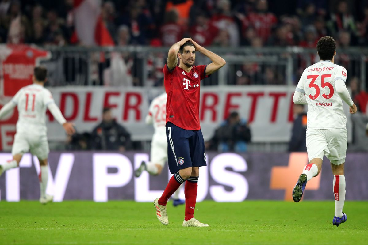 MUNICH, GERMANY - NOVEMBER 24: Javier Martinez of Bayern Munich looks dejected as his team concede a third goal during the Bundesliga match between FC Bayern Muenchen and Fortuna Duesseldorf at Allianz Arena on November 24, 2018 in Munich, Germany.