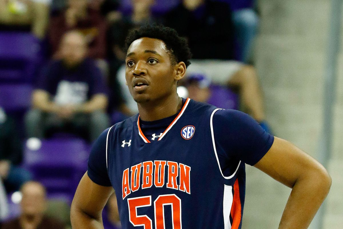Auburn's Austin Wiley deemed ineligible until 2018-19
