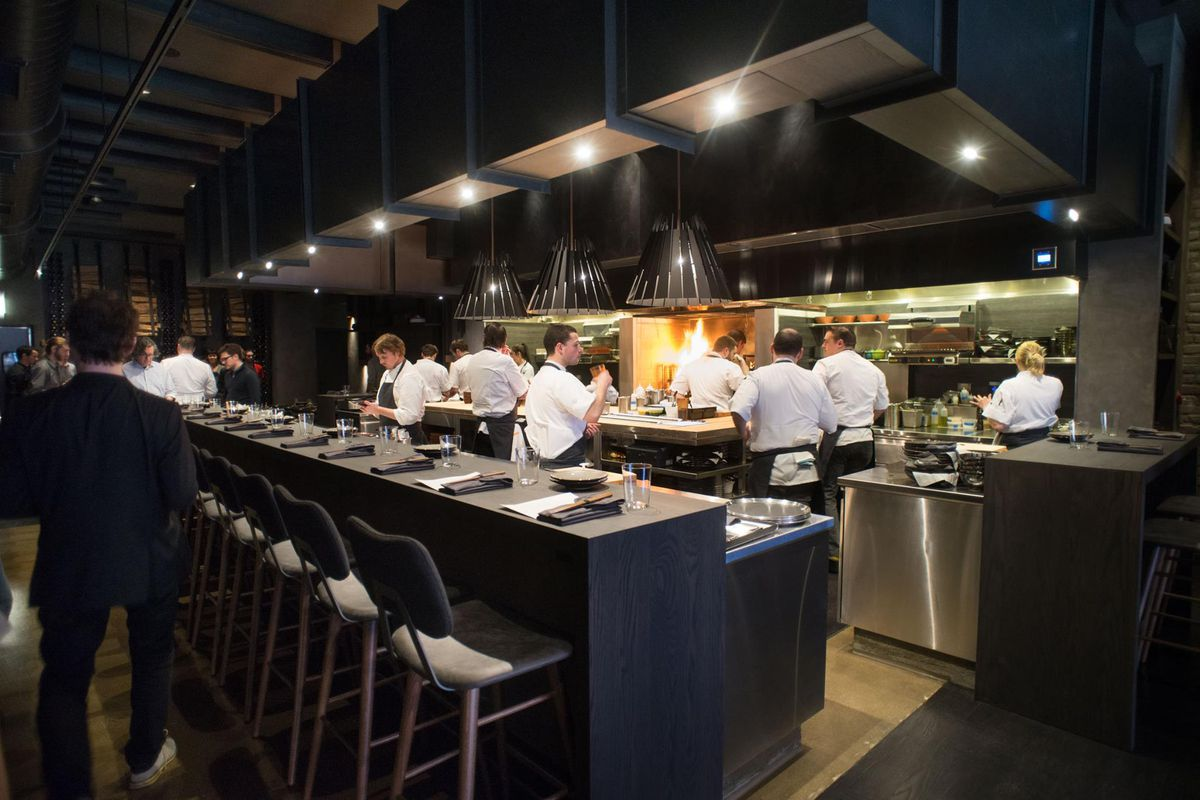 A Kitchen Is Launching An Express Lunch Service: An Alinea Group Restaurant Starts Lunch Service For The