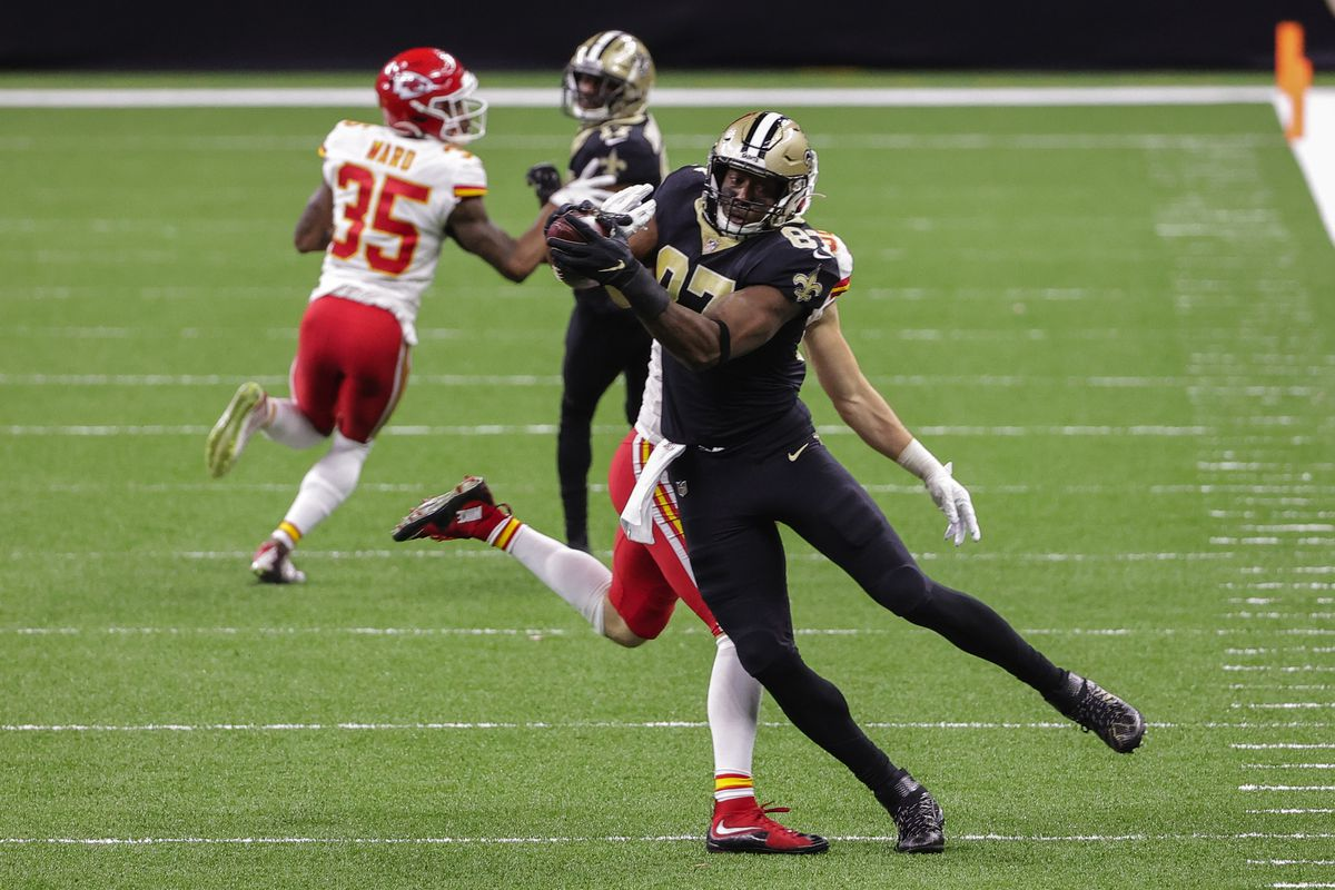 New Orleans Saints tight end Jared Cook (87) catches a pass against the Kansas City Chiefs during the first half at the Mercedes-Benz Superdome.