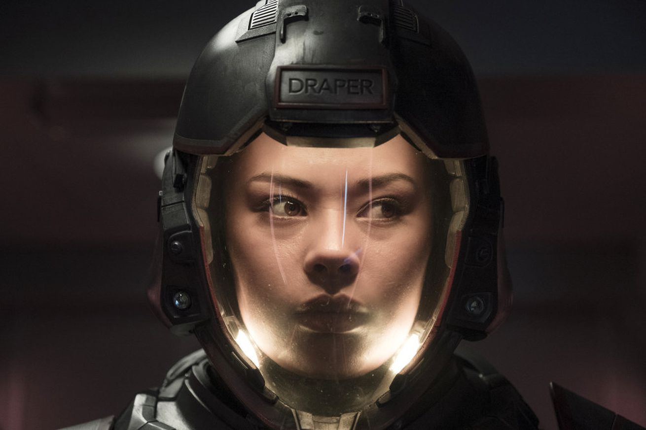 syfy s the expanse is back here s what you need to know to get caught up