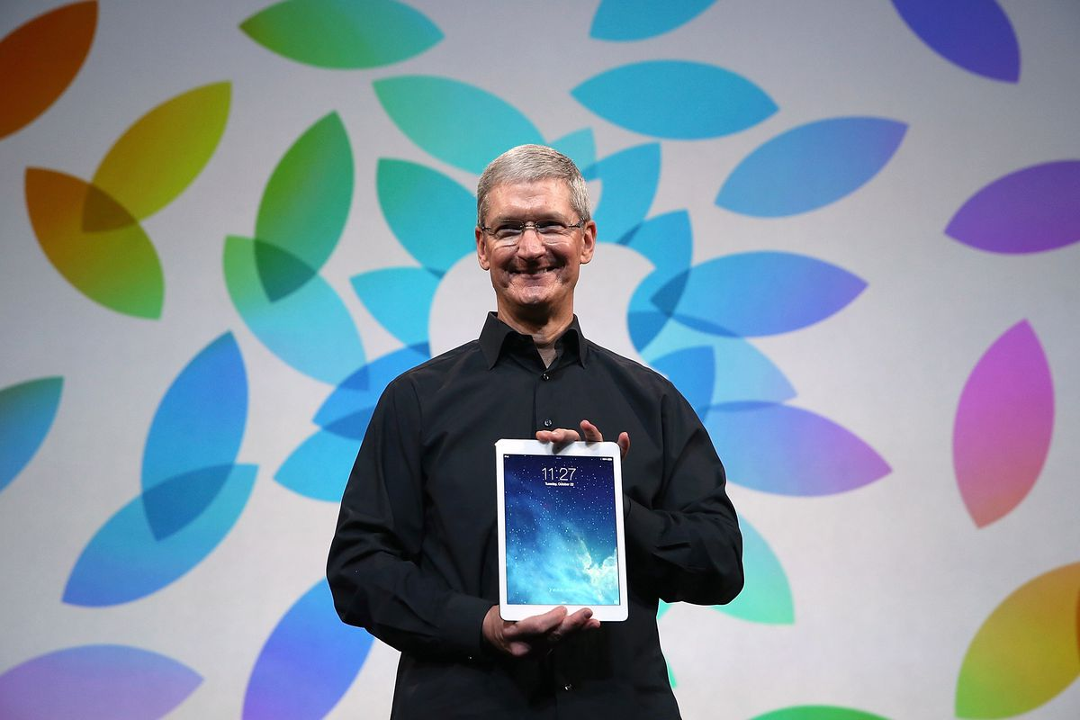 If Apple wants the iPad to beat the PC, it needs to make much bigger strides in iOS software
