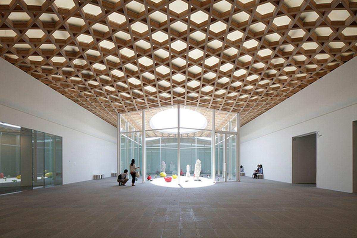 "All photos courtesy of Shigeru Ban Architects via <a href=""http://www.designboom.com/architecture/shigeru-ban-oita-prefectural-art-museum-japan-06-17-2015/"">Designboom</a>"